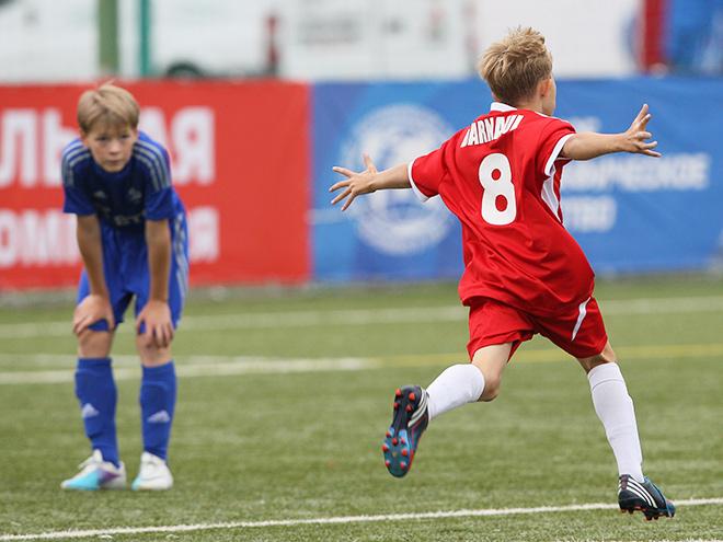 Отчет о проведении первых туров открытого первенства города Сочи по футболу среди детско-юношеских команд.